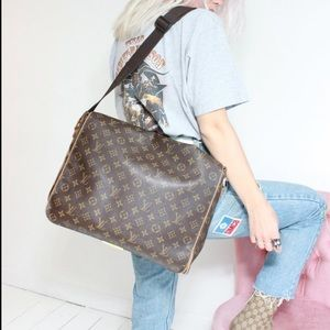 Auth Louis Vuitton Abbesses Messenger Monogram Bag
